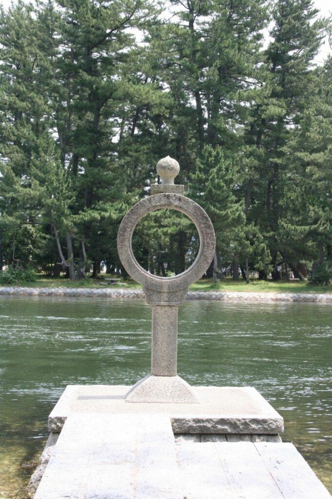 知恵の輪灯籠
